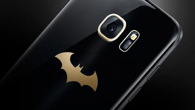 Il Samsung Galaxy S7 Edge Injustice Edition è dedicato a Batman