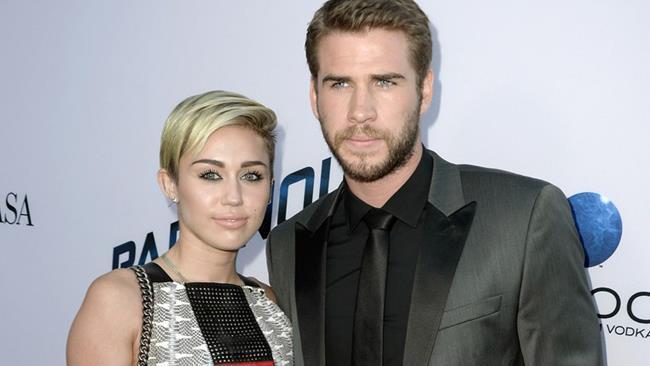 Liam Hemsworth e Miley Cyrus insieme a un evento ufficiale