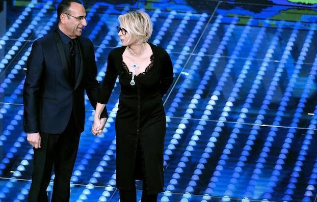 Maria De Filippi e Carlo Conti in primo piano