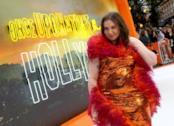 Lena Dunham forografata sul red carpet di C'era una volta a Hollywood