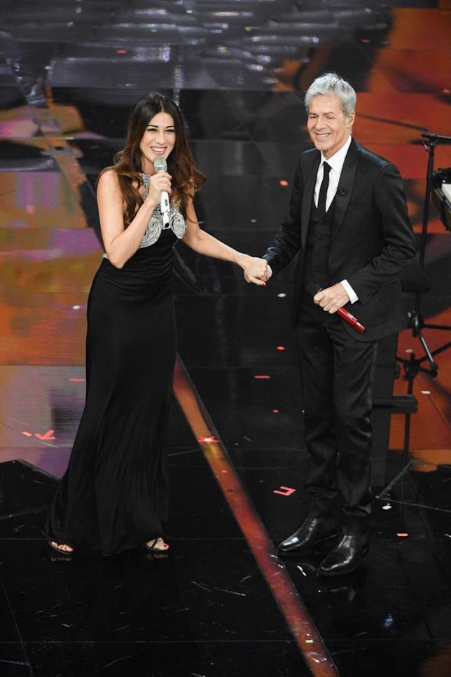 Virginia Raffaele e Claudio Baglioni sul palco dell'Ariston