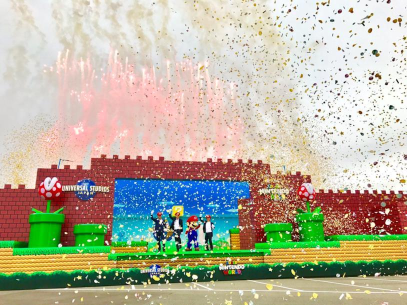 Esplosione di coriandoli per la presentazione di Super Nintendo World