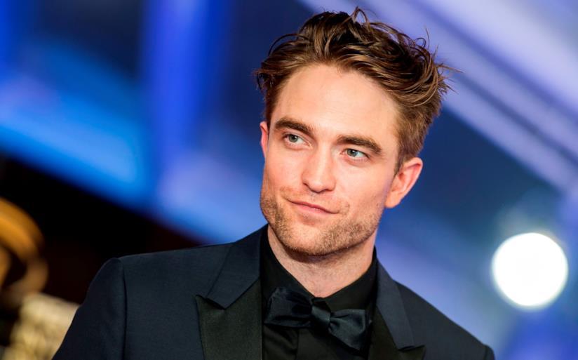 Un primo piano dell'attore Robert Pattinson