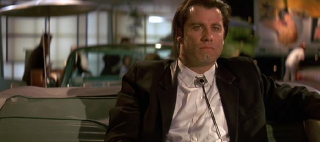 Vincent Vega in una scena di Pulp Fiction