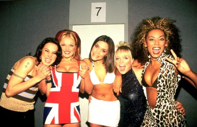 Le Spice Girls in uno scatto del 1997