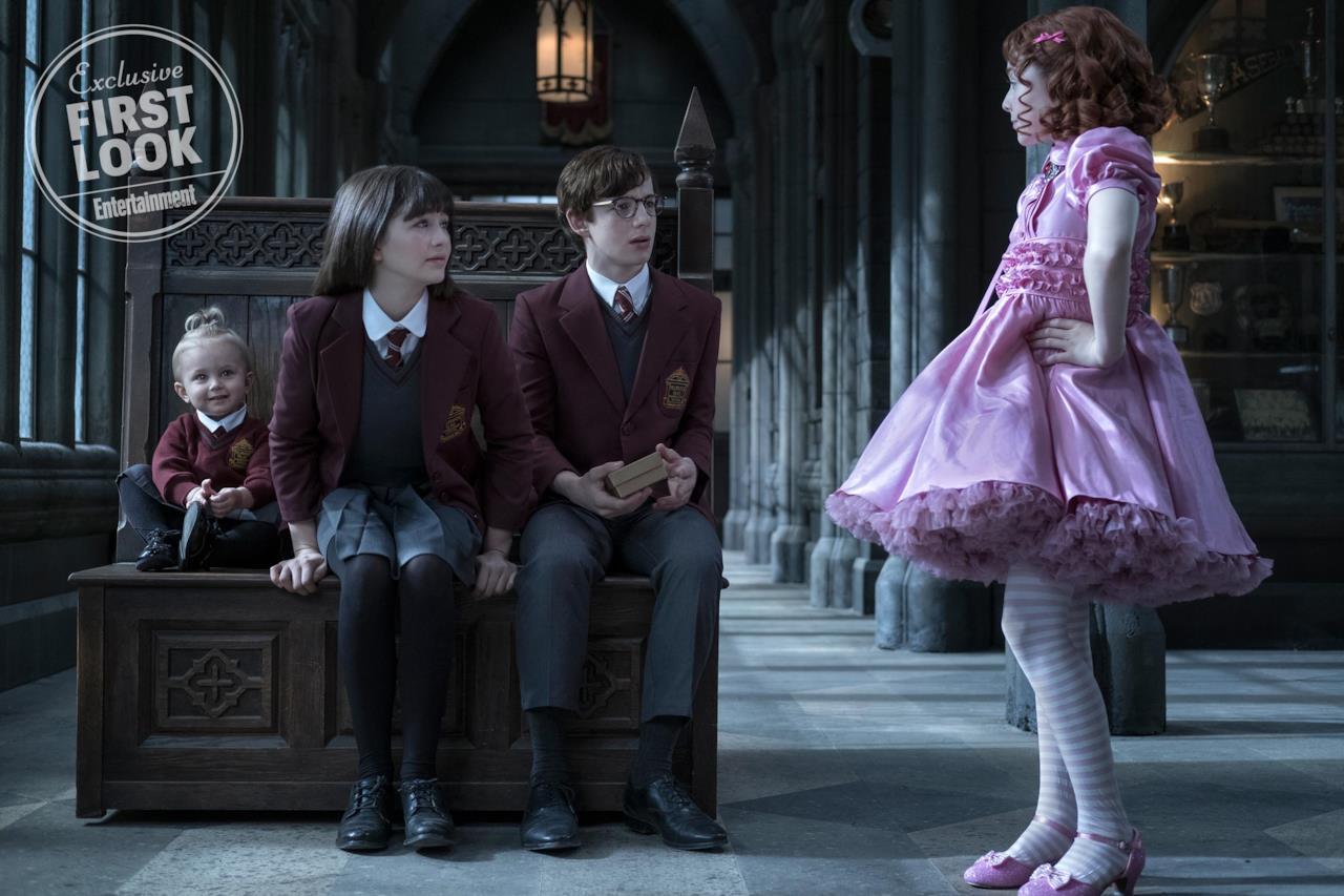 Violet, Klaus e Sunny incontrano Carmelita vestita di rosa