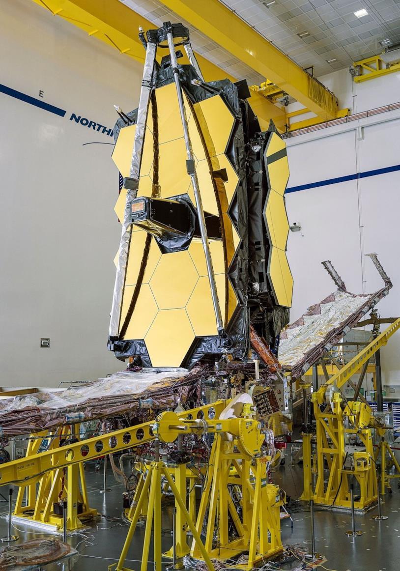 Una foto del telescopio spaziale James Webb assemblato al 100%