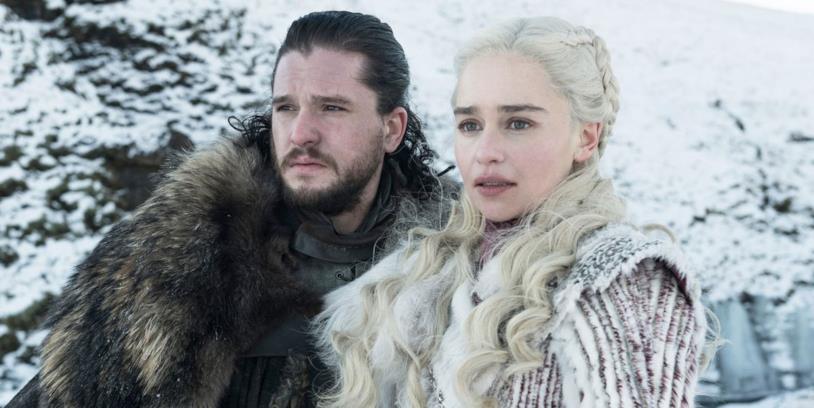 Un'immagine di Daenerys e Jon nell'ottava stagione di Game of Thrones