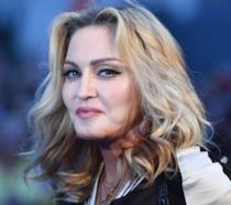 Un intenso primo piano di Madonna