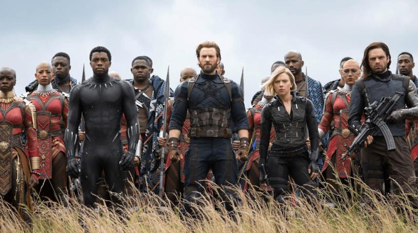 Boseman, Evans, Johansson e Stan nei panni dei rispettivi eroi Marvel in Avengers: Infinity War