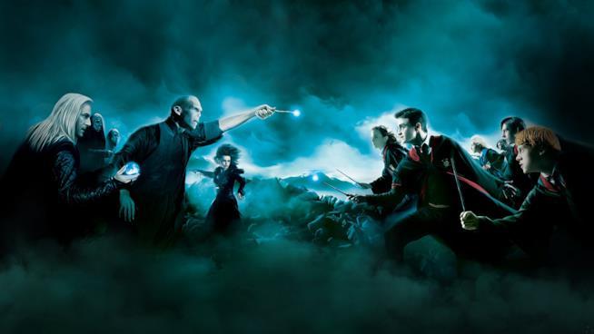 Harry Potter e i suoi amici combattono Voldemort e i Mangiamorte