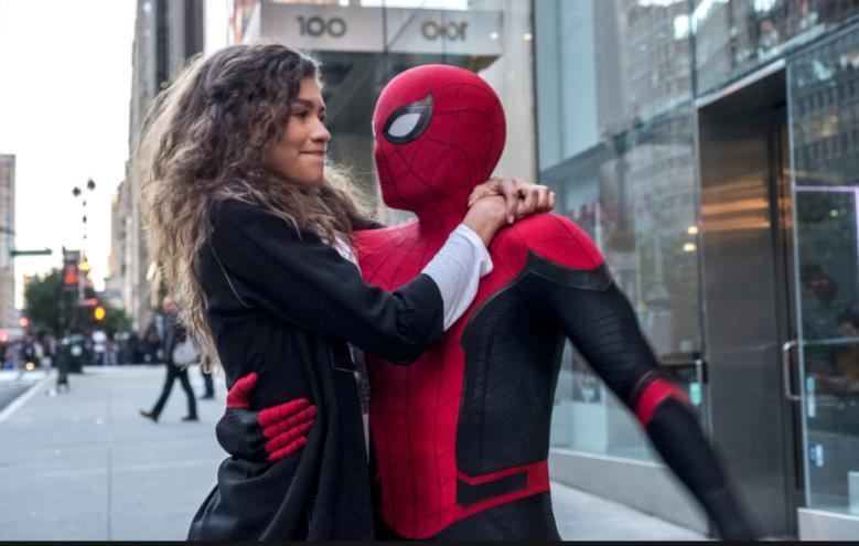 Spider-Man e MJ in una scena di Spider-Man: Far From Home