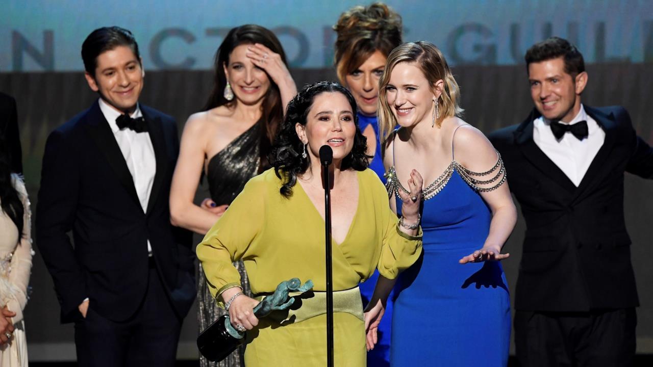 Il cast di Mrs. Maisel dedica i suoi SAG Awards a Brian Tara