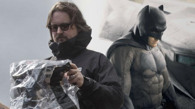 Una foto di Matt Reeves con Batman