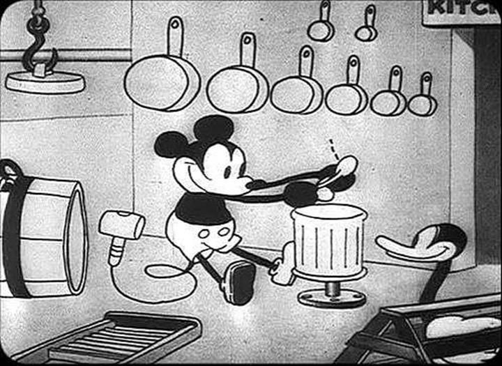 Topolino suona degli utensili in  Steamboat Willie