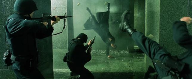 """Matrix contro il """"virus"""" dei ribelli"""