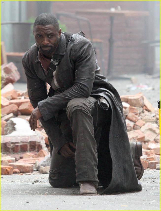 Idris Elba alias Roland