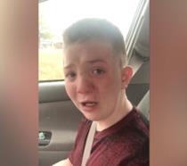 Keaton Jones nel video girato dalla mamma