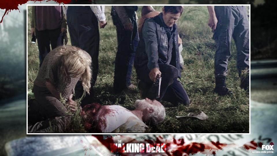DALE (S2.E11): attaccato da un errante che gli squarcia la pancia, viene finito da Daryl con un colpo alla testa.