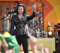 Demi Lovato sul palco durante un concerto