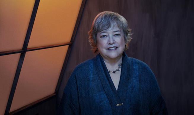 Kathy Bates in un immagine promozionale di American Horror Story