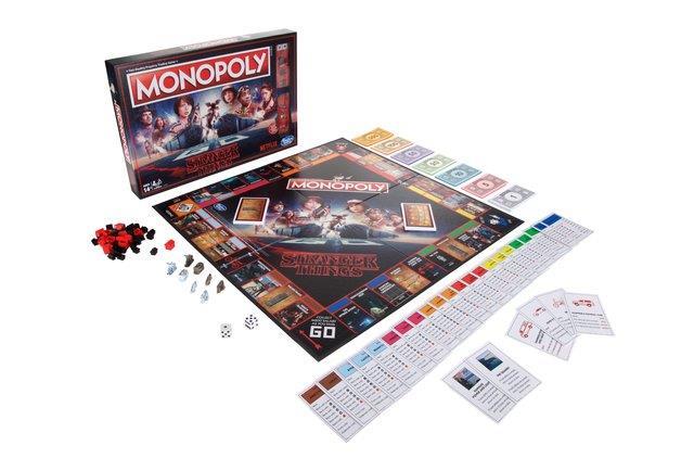 Il Monopoly di Stranger Things con il tabellone e le pedine