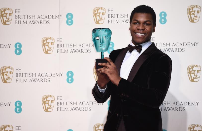 John Boyega vince un BAFTA Award 2016
