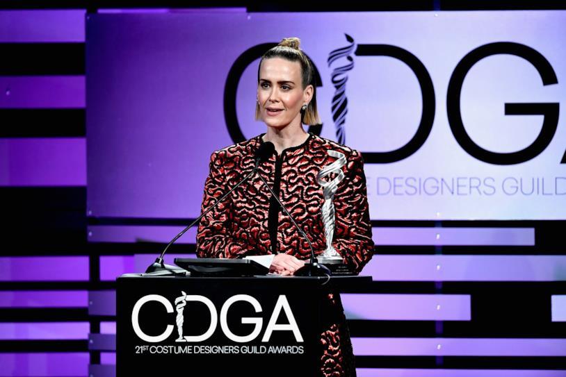 L'attrice Sarah Paulson riceve un premio al CDGA