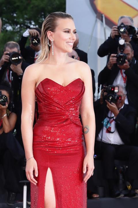 Scarlett Johansson, elegantissima sul red carpet
