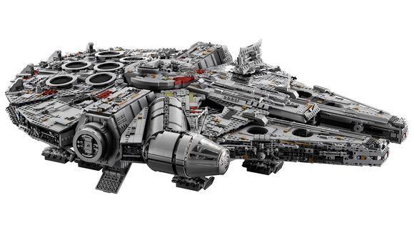 Visione esterna del set LEGO Millennium Falcon
