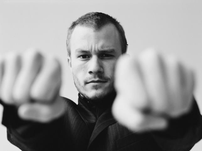 Il giovane attore e regista australiano Heath Ledger mancato 8 anni fa