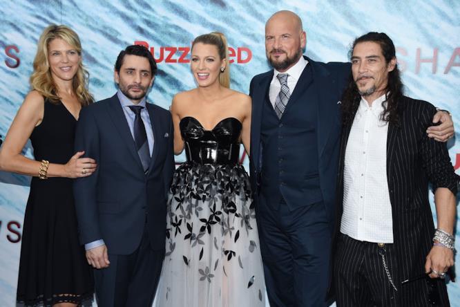 Il cast di Paradise Beach alla prima a New York