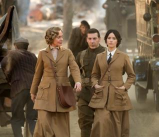 Lucy, Wyatt e Rufus nella seconda stagione di Timeless