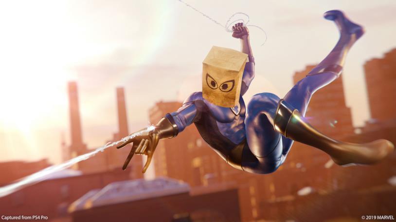 Immagine promozionale del costume Bag-Man di Marvel's Spider-Man