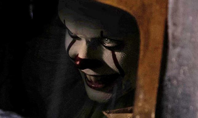 Il mostro Pennywise in IT