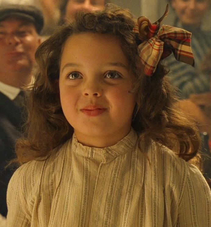 Cora Cartmell in una scena di Titanic