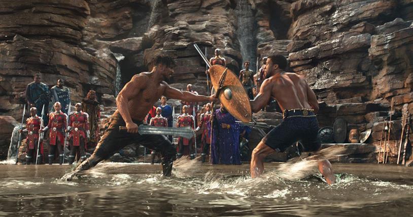 Michael B. Jordan e Chadwick Boseman si affrontano in una scena del film Black Panther