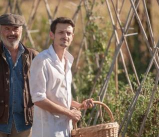 Fabio Rovazzi e Luca Zingaretti nel film Il vegetale