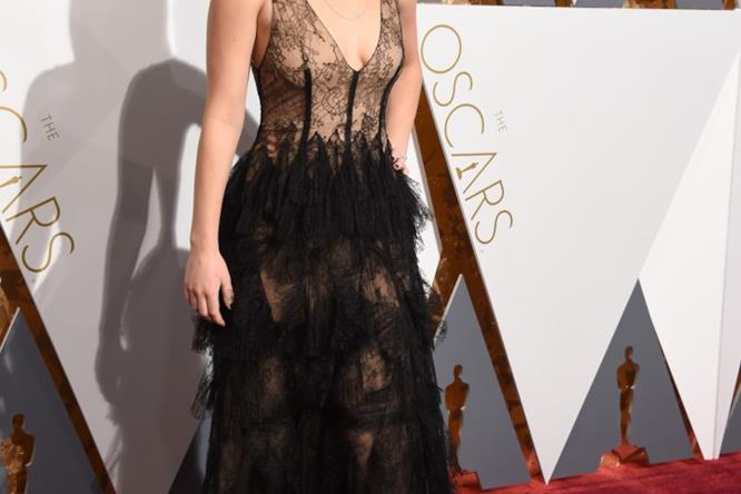 Jennifer Lawrence in Dior alla cerimonia degli Oscar 2016