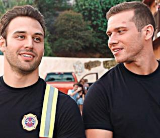 Eddie e Buck in una scena di 911