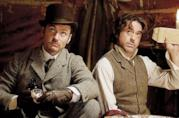 Jude Law e Robert Downey Jr. in Sherlock Holmes