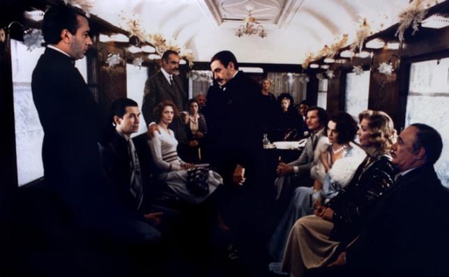 Una scena nella carrozza del treno di Assassinio sull'Orient Express del 1974