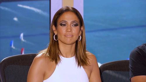 Uno sguardo perplesso di Jennifer Lopez