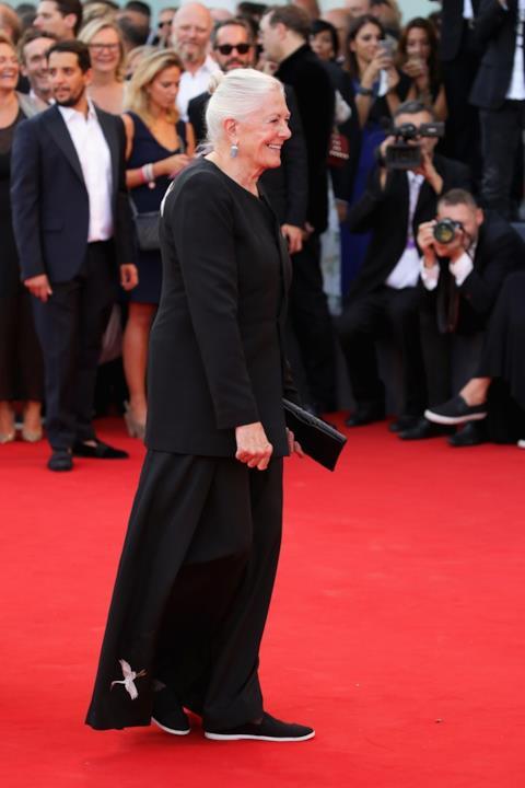 Vanessa Redgrave a Venezia 75 sfila in total black