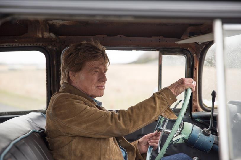 Robert Redford alla guida in una scena di Old Man & the Gun