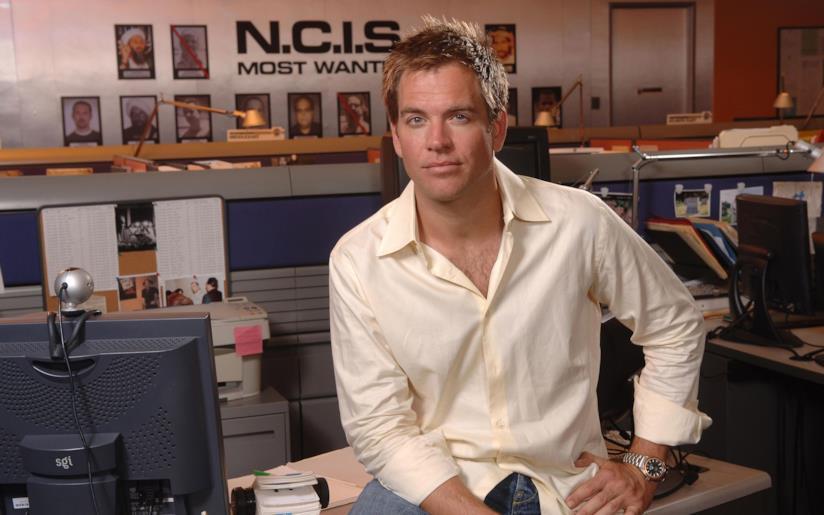 Tony DiNozzo in posa sul set di N.C.I.S.