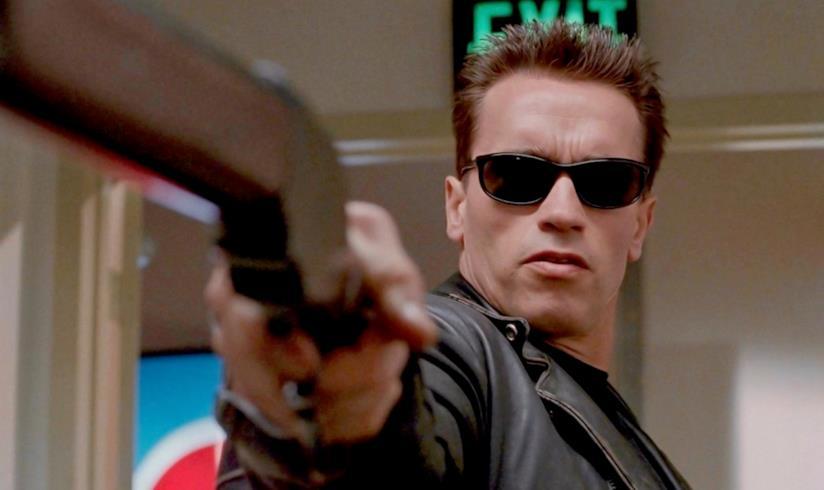 Arnold Schwarzenegger in una scena di Terminator 2 - Il giorno del giudizio