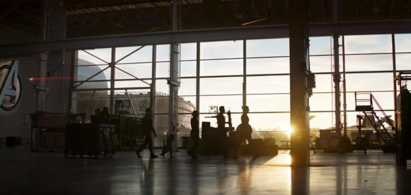 Il gruppo degli Avengers sopravvissuti nell'ultima immagine dello spot