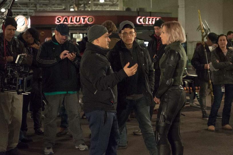 I fratelli Russo sul set di Infinity War con Scarlett Johansson