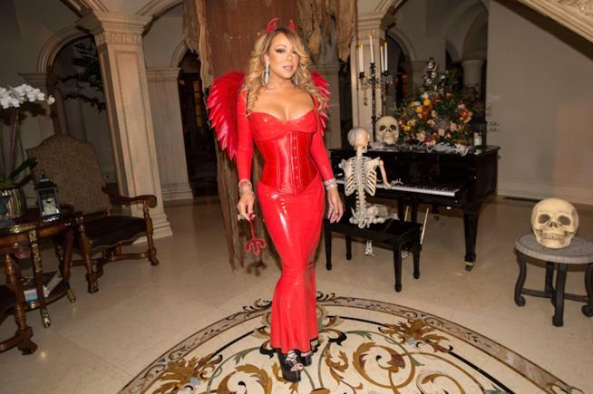 Mariah Carey nei panni di una diavolessa super sexy
